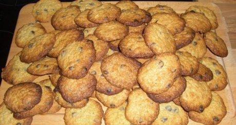 Chewy Oat-Choc-Chip Cookies (Schoko-Haferflocken-Cookies)