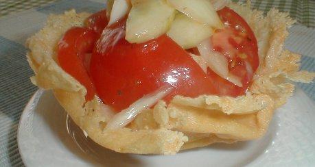Salat-Käsekörbchen