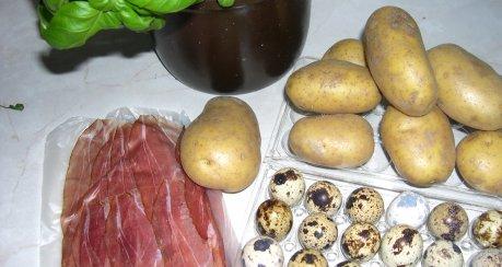 Wachteleier auf Kartoffeln