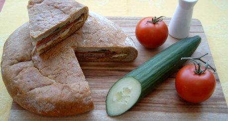 Gefülltes Picknickbrot (für Siri)