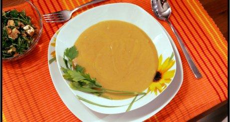 Karotten-Selleriecremesuppe