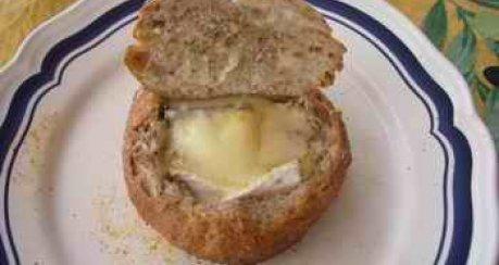 Grillfondue im Brot (Beilage)