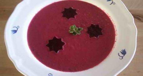 Rote Beete-Früchte-Suppe