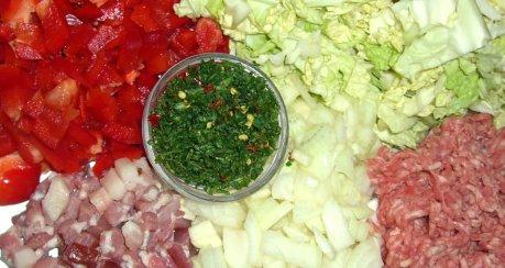 Wirsinggemüse mit Hackfleisch und Paprika (leicht scharf)