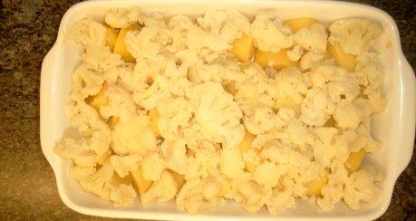 Blumenkohl und Kartoffeln in Currysahne gebacken