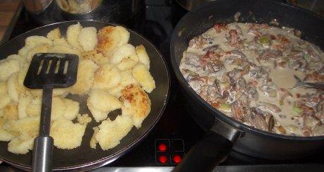 Champignons-Knödel-Pfanne