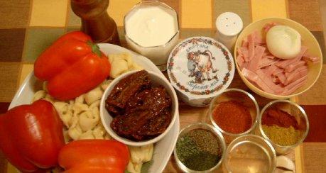 Tortellini-Salat mit Paprika und Kochschinken (für Crazy)