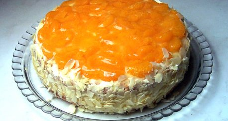 Orangencremetorte mit Mandarinen