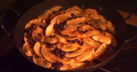 Süßkartoffeln mit Apfelscheiben