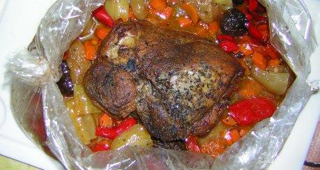 Schweinebraten im Obst-Gemüse-Sack