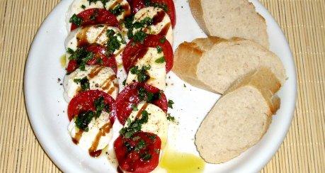 Mozzarella und Tomate