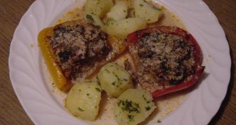 Gefüllte Paprikahälften aus dem Ofen - einfach & raffiniert