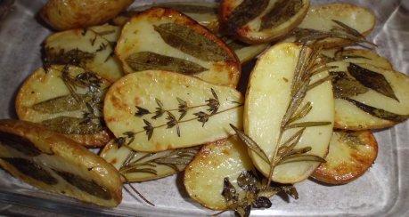 Hillarys Kräuter-Blech-Ofenkartoffeln