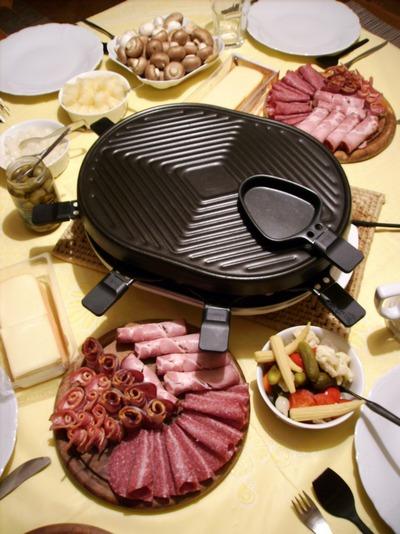 silvester feiern mit raclette die besten tipps zum. Black Bedroom Furniture Sets. Home Design Ideas