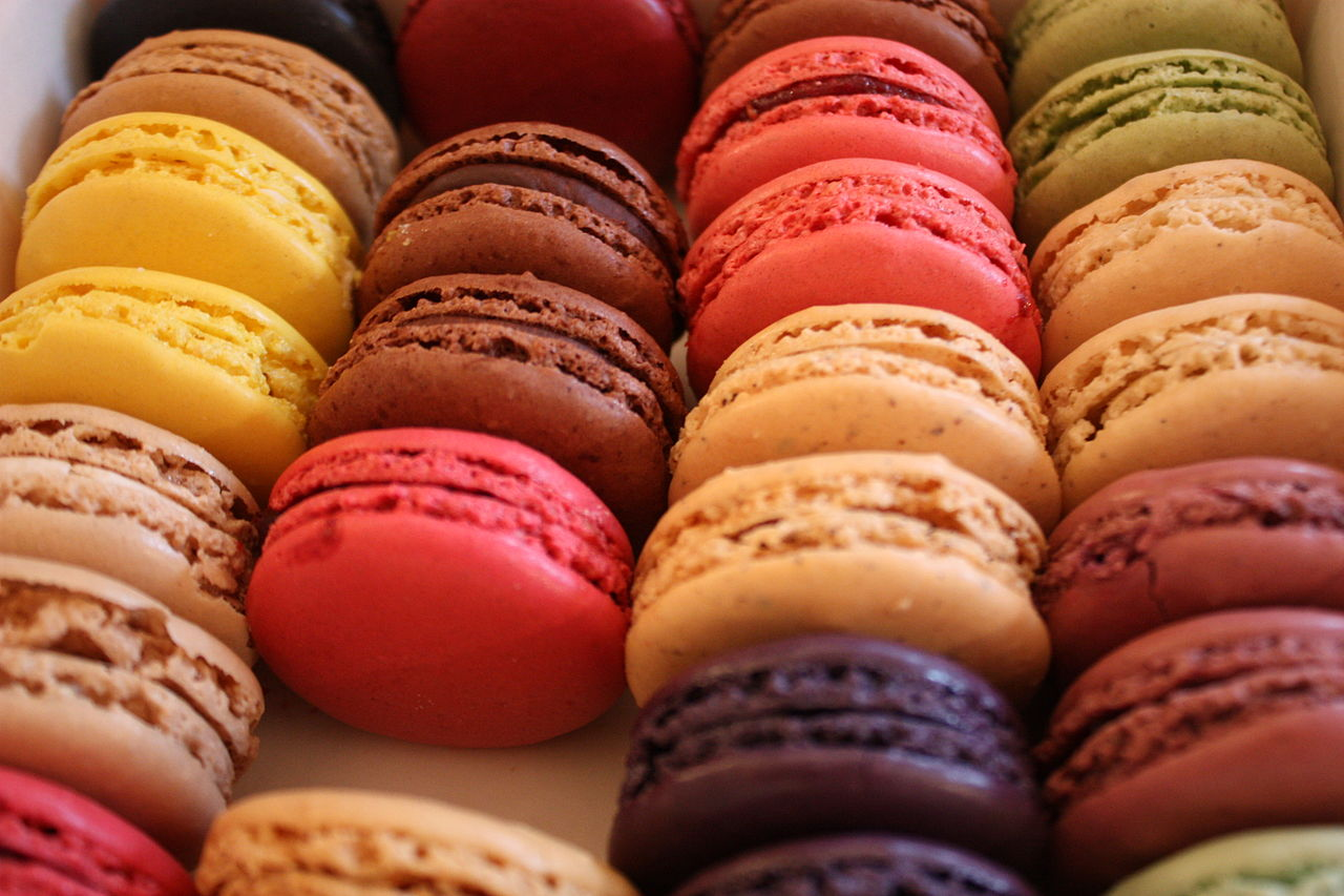 Trend geb ck macarons s knusprig und knallbunt tipps for Productos tipicos franceses